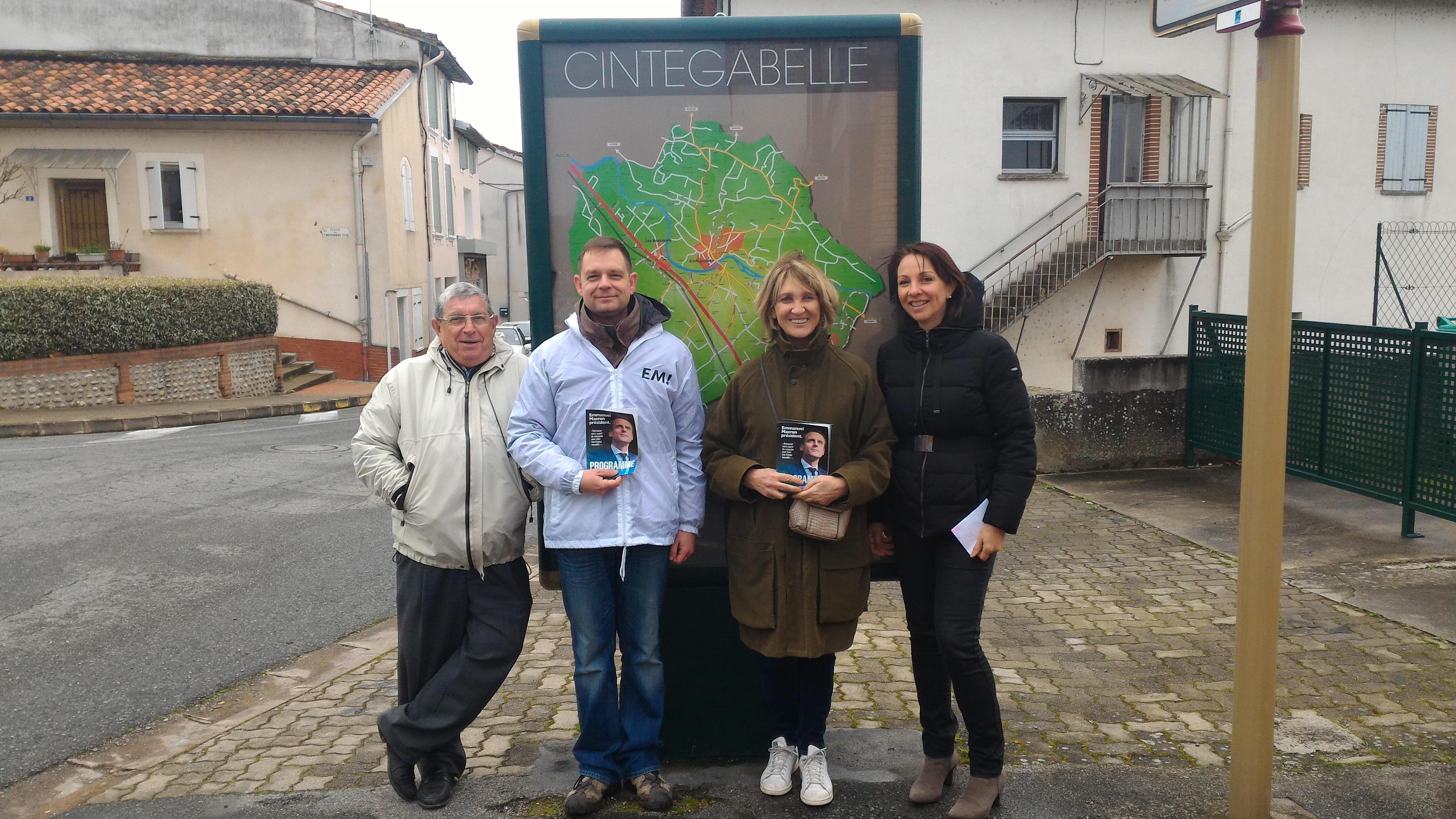 A Cintegabelle , ce dimanche matin, boitage , tractage et porte à porte : des habitants ouverts à la discussion .