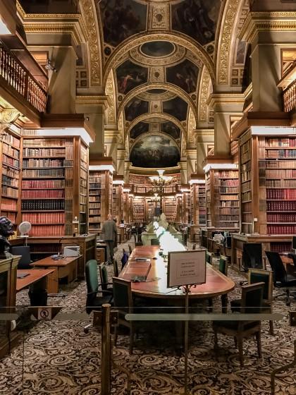 Bibliothèque de l'Assemblée Nationale, la nuit
